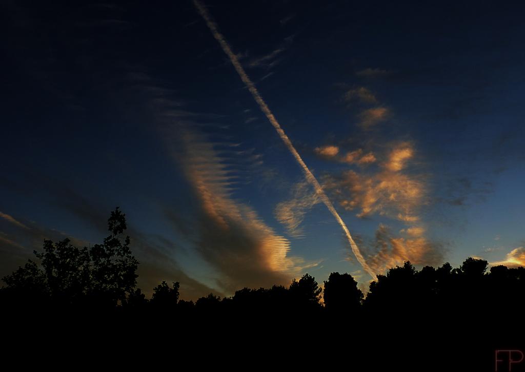 © François Ponthieu 2014 . Dans le ciel...