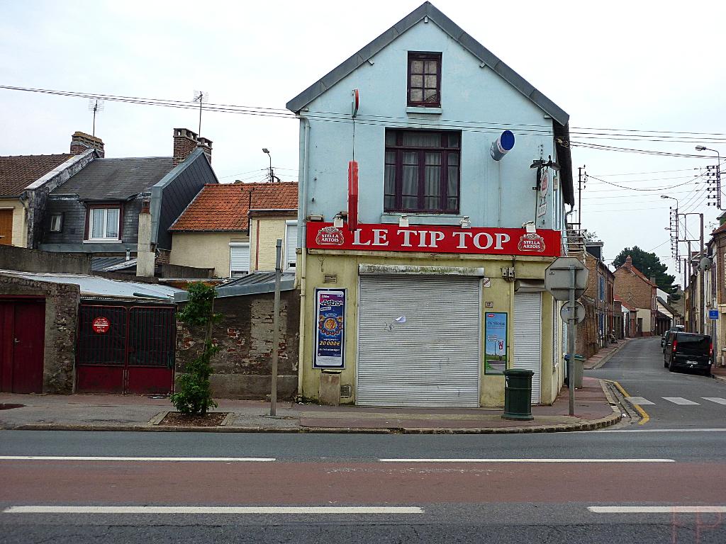 © François Ponthieu 2014 . Tip Top