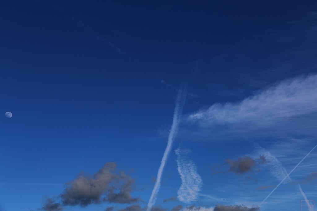 © François Ponthieu 2015 . En regardant le ciel 0.2